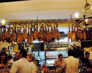 2,5 Hour Private Guided Tapas Walking Tour in Seville