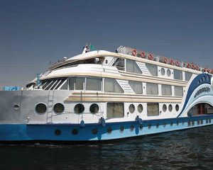 5 Days Nile River Cruise from Luxor to Aswan with Private Tour Guide