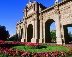 7-Day Small Group Guided Tour: Granada, Cordoba, Seville and Toledo from Madrid