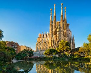 Barcelona Walking Tour with Priority Access Sagrada Familia