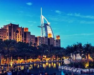 Dubai: Magical Tour with Burj Al Arab Lunch, Burj Khalifa & Aquarium Ticket