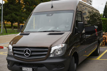 Private Transfer from Zurich Airport to Laax
